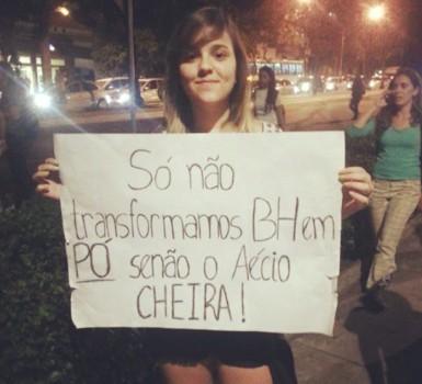 Fotografia que ficou famosa durante as manifestações de Junho