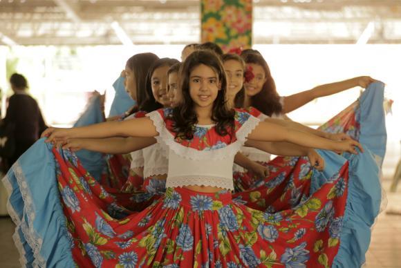 Adesivo De Parede Unicornio Mercado Livre ~ O Carimbó, dança de origem indígena,é reconhecido como patrim u00f4nio do Brasil