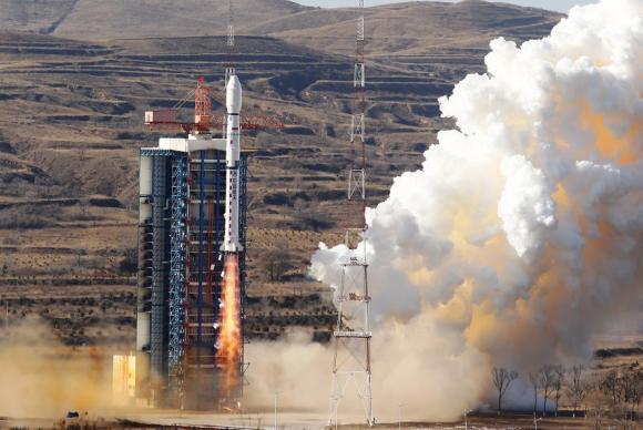 Divulgação - Satélite foguete